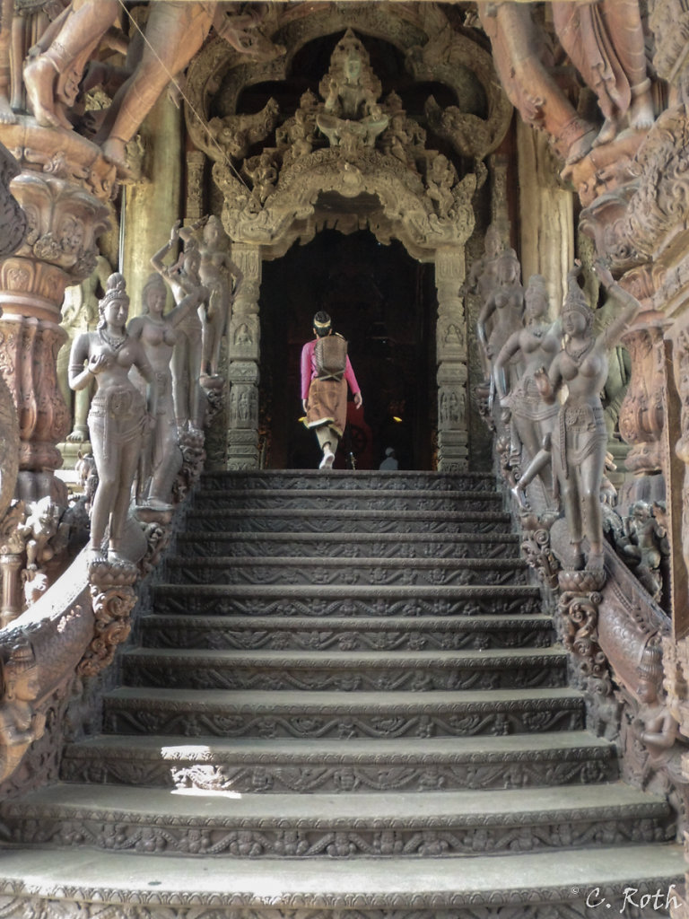 Sanctuary Of Truth - Eingang